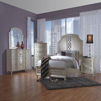 Welien Bedroom by Furniture Ideal